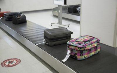 空港のバゲージターンテーブル