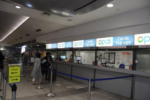 シドニー空港OPAL売り場