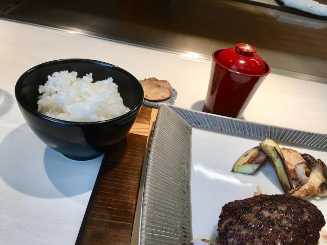 鉄板焼き877のご飯セット