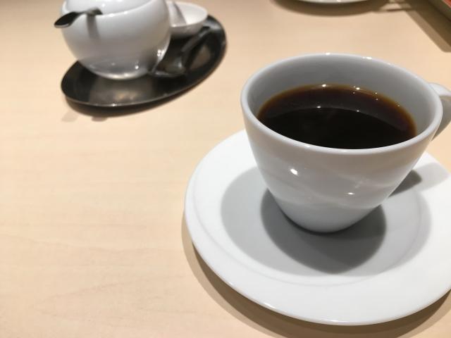 鉄板焼き877のコーヒー