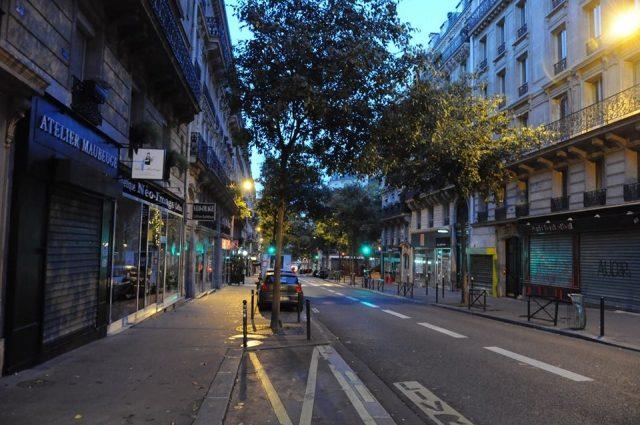 土曜日朝のパリの様子