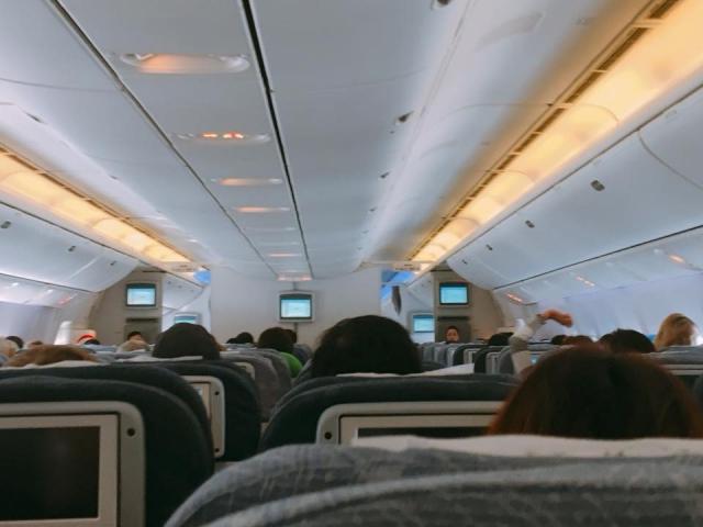CA934便の機内