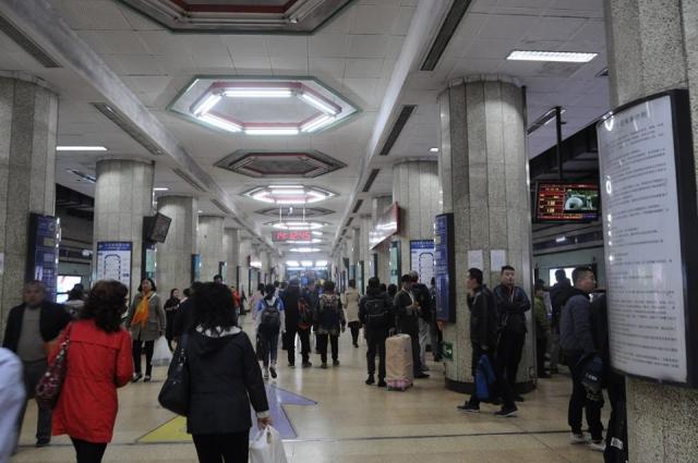 地下鉄2番線の東直門駅