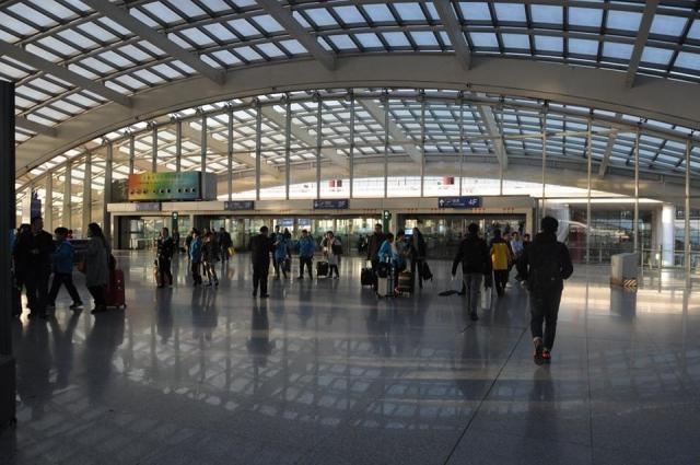 北京空港の机場線出口