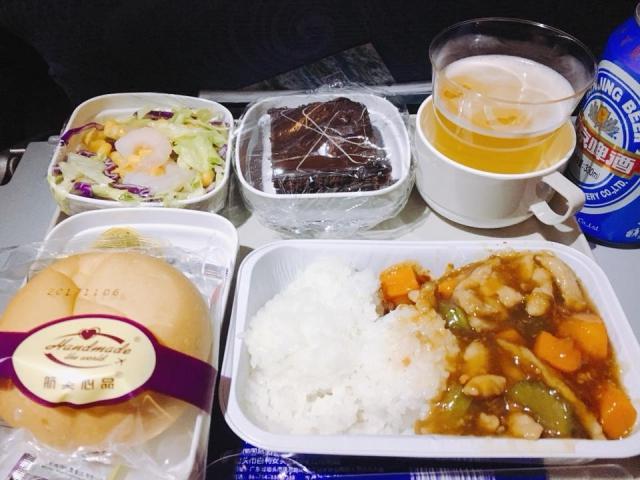 中国国際航空183便北京ー羽田の機内食