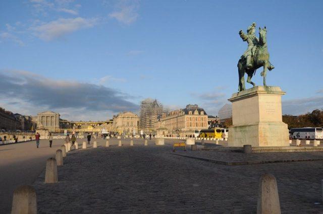 ヴェルサイユ宮殿入り口