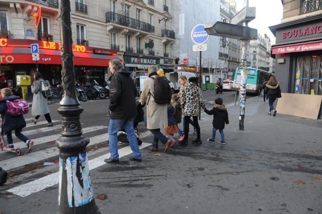 月曜日のパリの様子