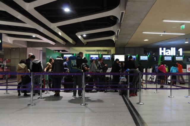 シャルルドゴール空港の中国国際航空のチェックインカウンター