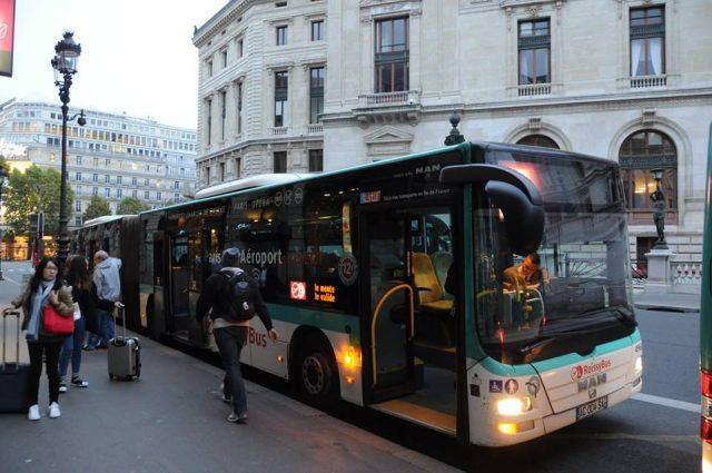 ロワシーバスオペラ座バス停