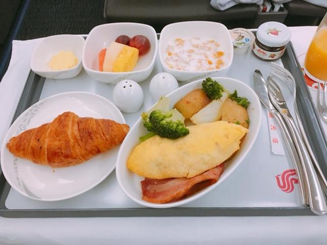 中国国際航空ビジネスクラスの朝食