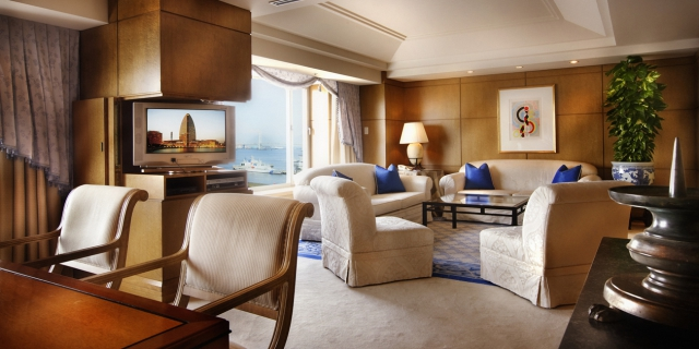 intercontinental hotel suite room