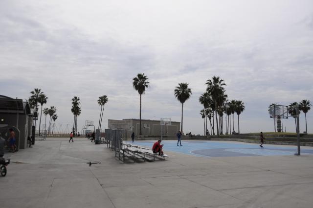 ベニスビーチのバスケットコート