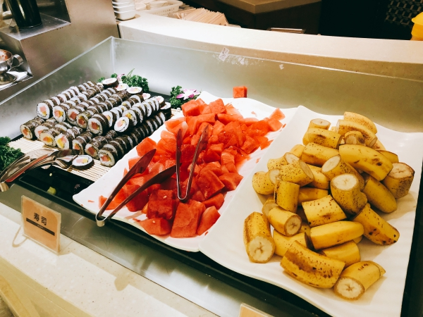 上海中国国際航空ラウンジの食事