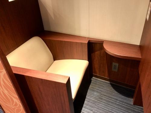 ラウンジオーサカ座席