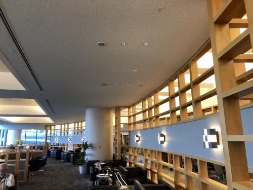 成田空港アメリカン航空ラウンジ