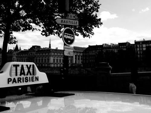 パリのタクシー
