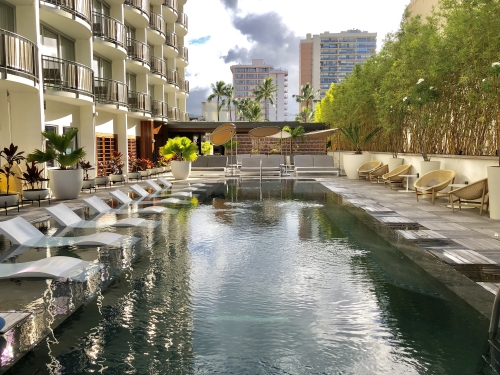 レイローワイキキのプール