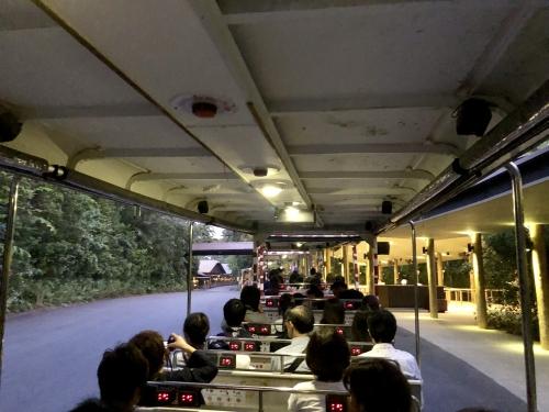 ナイトサファリシンガポールの専用トラム