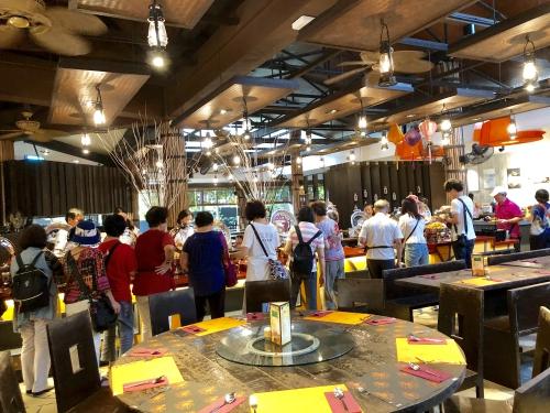 ナイトサファリシンガポールのブッフェ