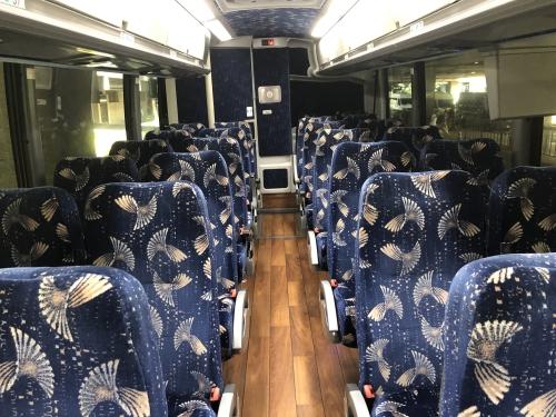 ワイキキアクセス方法のバス