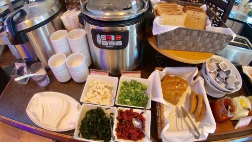 ロイヤルハワイアンの朝食サーフラナイ