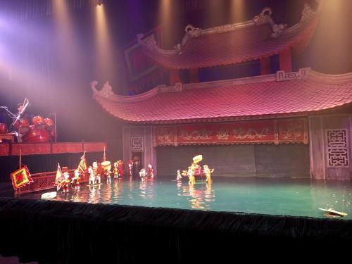 ハノイのタンロン水上劇場