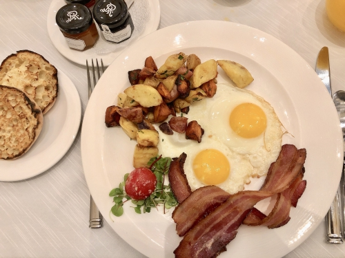 セントレジスニューヨークの朝食アスターコート