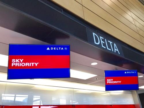 デルタ航空デルタ・ワンスイート搭乗記ブログレビュー