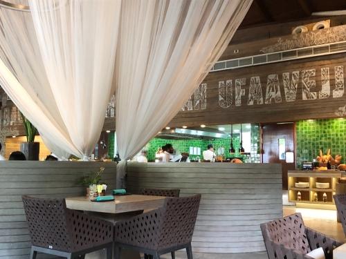 Wモルディブの朝食レストラン