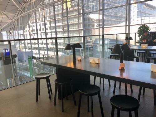 香港空港ラウンジTHE DECK(ザ・デッキ)